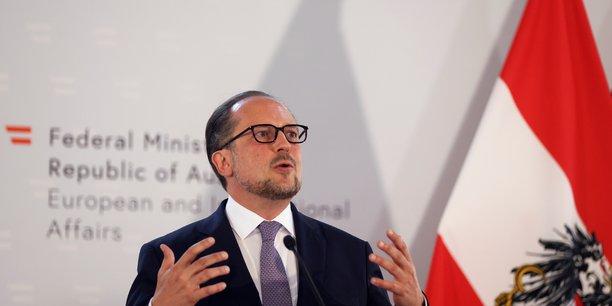 Coronavirus: deux ministres europeens des affaires etrangeres contamines[reuters.com]