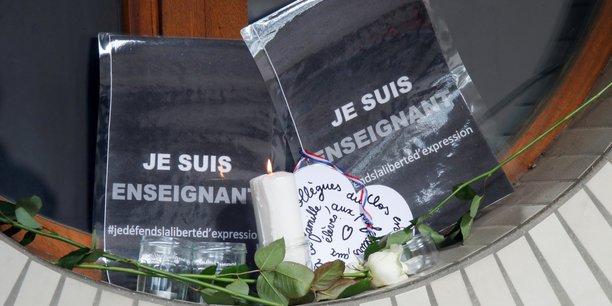 France: castex promet des actes concrets pour proteger les enseignants[reuters.com]