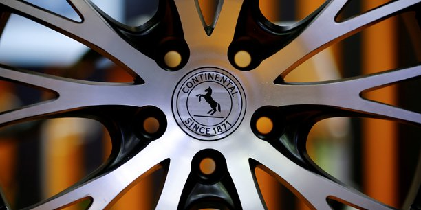 Continental en perte au 3e trimestre a cause de charges exceptionnelles[reuters.com]