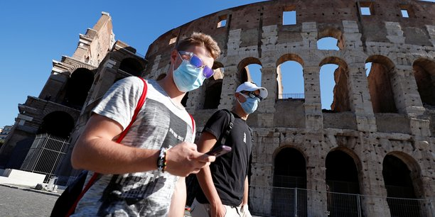 Coronavirus: nouveau record de cas quotidiens en italie, la campanie se reconfine[reuters.com]