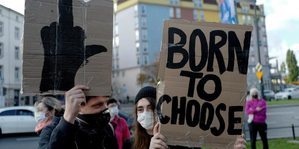 Coronavirus: plusieurs interpellations a varsovie apres des manifestations[reuters.com]