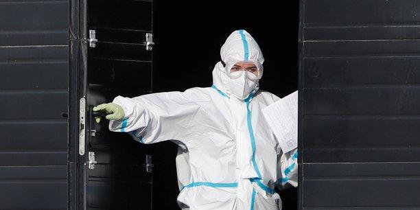 Coronavirus: plus de 17.000 cas detectes en 24 heures en russie, nouveau record[reuters.com]