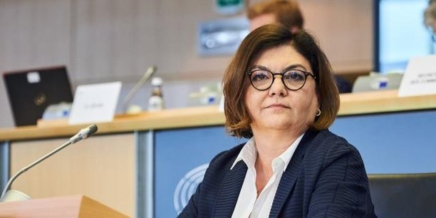 """""""Mobilité électrique : une idée dont le temps est venu"""" (Adina Valean, commissaire européenne aux transports)"""