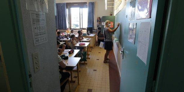 France: la rentree scolaire maintenue lundi, avec protocole sanitaire renforce[reuters.com]