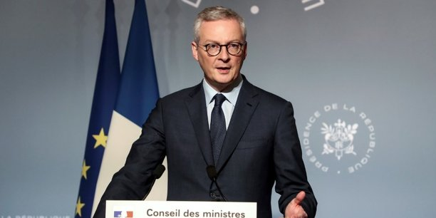 Bruno Le Maire, ministre de l'Économie, des Finances et de la Relance,  à la sortie du Conseil des ministres en mars 2020.