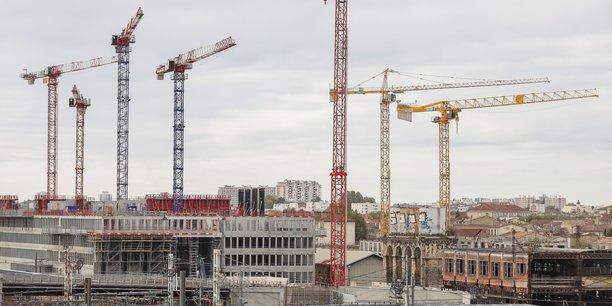 Le ballet des grues de construction dans le quartier Euratlantique à Bordeaux.