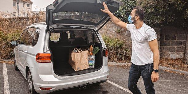 Shopopop a convaincu 70.000 shoppers pour assurer la livraison à domicile, maillon manquant du Click and collect, pour permettre aux petits commerçants de tenter de rivaliser avec Amazon