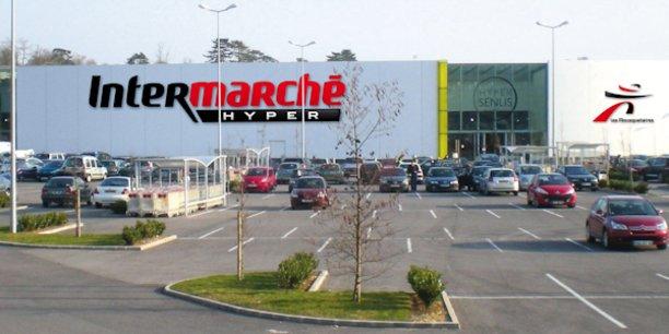 Dans ses encarts publicitaires dans la presse, Intermarché a ciblé le géant américain Amazon.