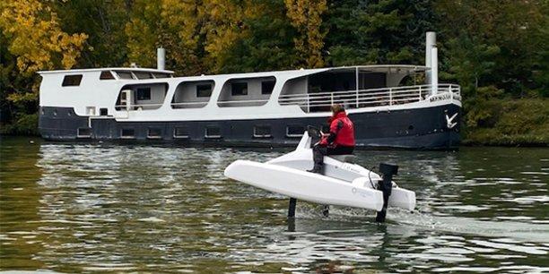 Neocean a procédé à des essais de l'Overboat sur la Seine à Paris, fin octobre 2020.