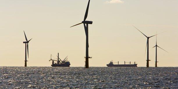 Ces prochaines années verront en particulier le boom de l'éolien en mer, alimenté par une chute rapide des coûts de production, prévoit l'AIE.