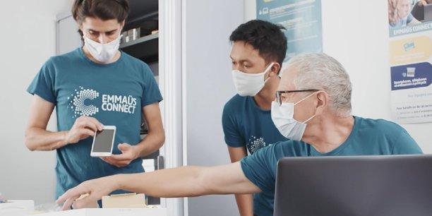Emmaüs Connect lutte contre l'exclusion numérique depuis 2013 en France.