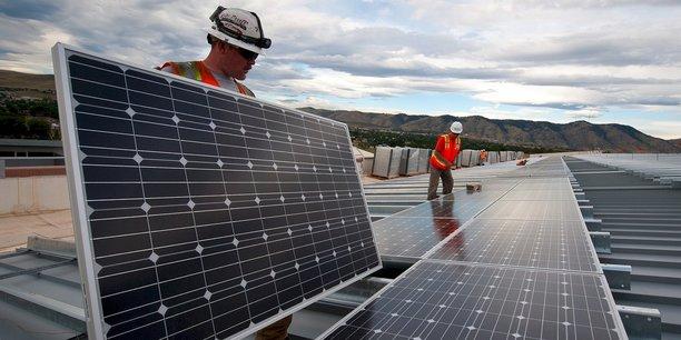 L'engagement de l'État dans la durée sur des prix fixes a notamment permis aux producteurs d'énergie photovoltaïques d'obtenir un financement auprès des banques dans de bonnes conditions, ces dernières disposant alors d'éléments de garantie quant à leur modèle économique et leur capacité de remboursement dans les années à venir.