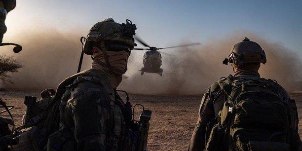 Comme les années précédentes, le ministère des Armées n'a pas souhaité faire appel à la solidarité interministérielle pour gérer le solde des surcoûts des OPEX et MISSINT, compte tenu du contexte économique et sanitaire