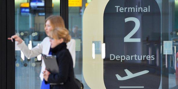 Le secteur du transport aérien s'est effondré avec la crise du coronavirus et les restrictions de déplacements qui l'accompagnent.