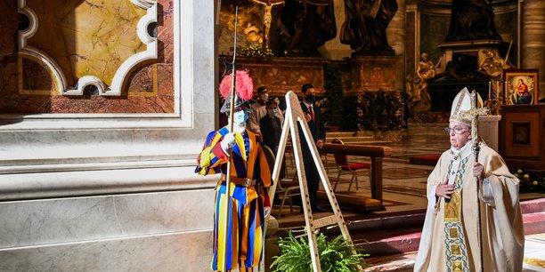 Le pape francois defend l'idee d'un revenu universel pour l'apres-covid[reuters.com]