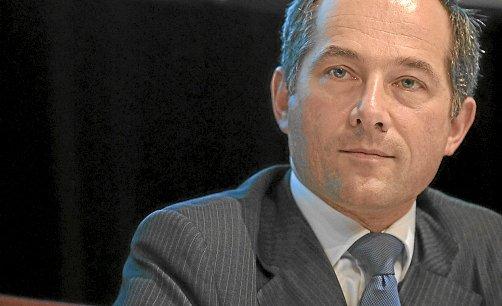 Sur le plan des coûts, Frédéric Oudéa, PDG de la Société générale, veut gérer la banque comme une entreprise industrielle. REUTERS.