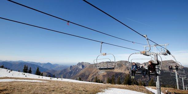 Les stations de ski europeennes veulent sauver la saison[reuters.com]