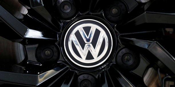 Volkswagen va debattre mardi de l'avenir du president du directoire[reuters.com]