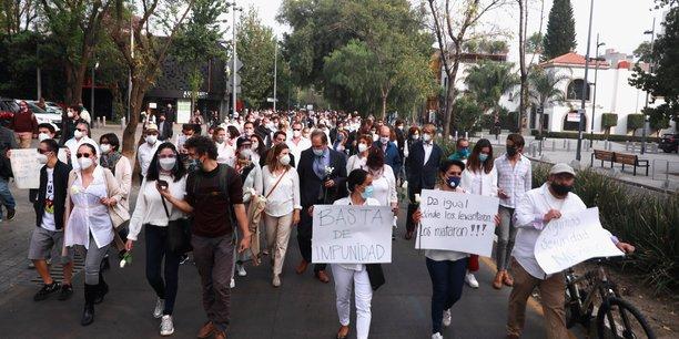Manifestation au mexique apres l'assassinat d'un homme d'affaires francais[reuters.com]
