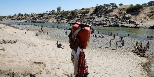 Ethiopie: le hrc demande l'acces aux camps de refugies erythreens du tigre[reuters.com]