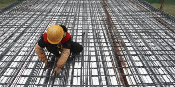 Dans l'industrie, les coûts horaires de la main-d'œuvre se sont établis à 25,9 euros dans l'UE et à 32,3 euros dans la zone euro.