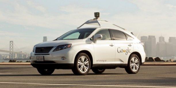La Grande-Bretagne n'est pas la seule à vouloir des voitures sans chauffeurs : la Google Car est déjà autorisée dans 4 états outre-Atlantique... mais elle ne prend pas de passagers | REUTERS
