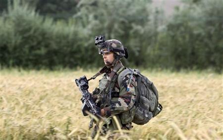 Les suppressions d'emplois ont fait économiser au ministère de la Défense plus de 1 milliard d'euros en cumulé sur la période 2008-2013