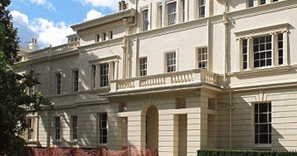 Sur les 104 milliardaires recensés au Royaume-Uni, 72 résident à Londres