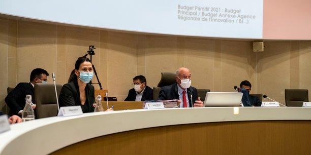 Andréa Brouille, 1e vice-présidente en charge des finances, et Alain Rousset, président du conseil régional de Nouvelle-Aquitaine
