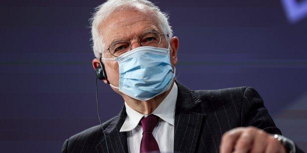 Josep Borrell, vice-président de la Commission européenne, est le haut-représentant pour les affaires étrangères et la politique de sécurité, au Service européen pour l'action extérieure. Le SEAE gère les relations diplomatiques de l'UE avec les pays non membres et mène la politique étrangère et de sécurité de l'Union.