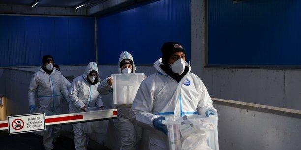 Coronavirus: l'autriche prolonge le confinement jusqu'au 8 fevrier[reuters.com]