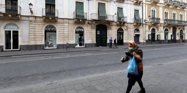 Coronavirus: l'italie recense 377 deces, 12.415 nouveaux cas[reuters.com]