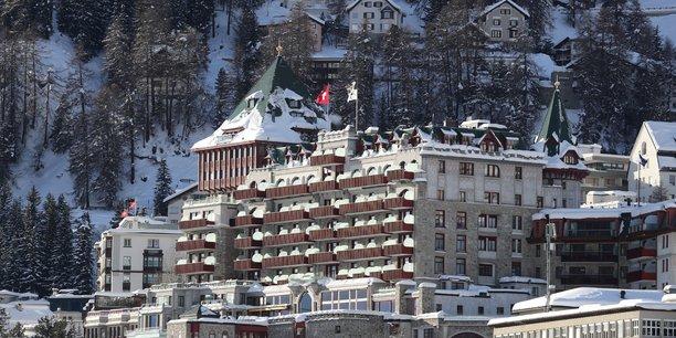 Saint-moritz: hotels en quarantaine et ecoles fermees pour contenir les cas de variants du covid-19[reuters.com]
