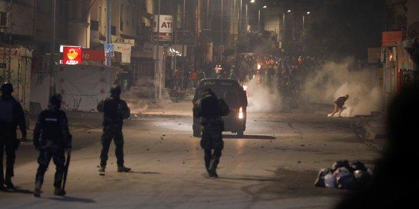 Tunisie: nouveaux affrontements entre manifestants et forces de l'ordre[reuters.com]