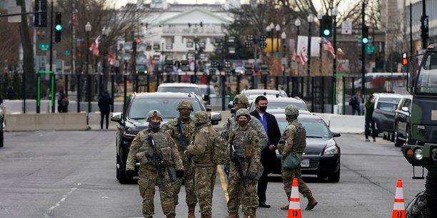 Usa: deux membres de la garde nationale ecartes de l'investiture de biden[reuters.com]