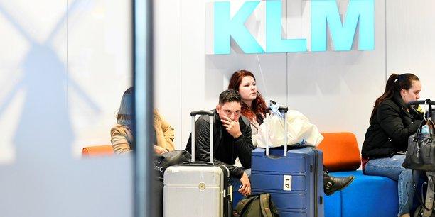 Coronavirus: klm suspend tous ses vols long-courriers vers les pays-bas[reuters.com]