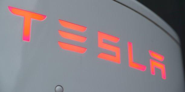 Tesla est a suivre a la bourse de new york[reuters.com]