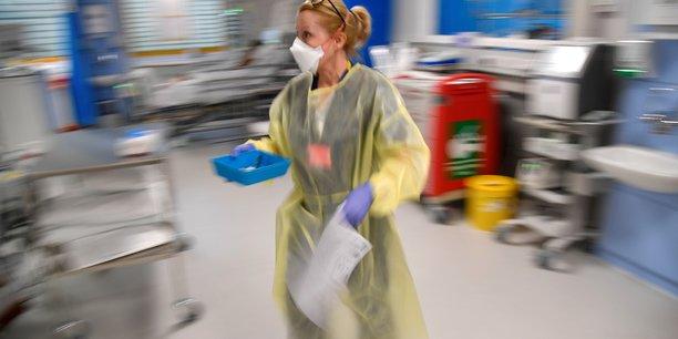 Coronavirus: baisse du nombre de cas et de deces au royaume-uni[reuters.com]