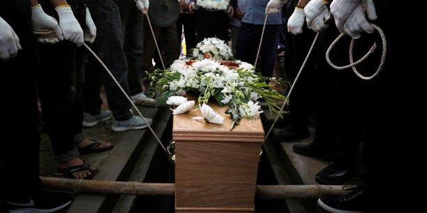 Grande bretagne: jusqu'a 27 ans de prison pour la mort de 39 migrants retrouves dans un camion[reuters.com]