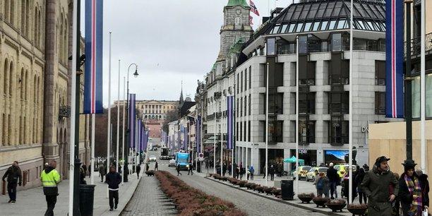 Oslo ferme ses commerces non-essentiels face a la reprise de l'epidemie[reuters.com]