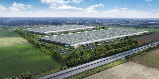 Le futur bâtiment de 100.000 m2 (au premier plan) constitue la première opération d'envergure en France pour les services de Mountpark. Il bénéficiera des normes environnementales les plus exigeantes via le label Breeam very good.