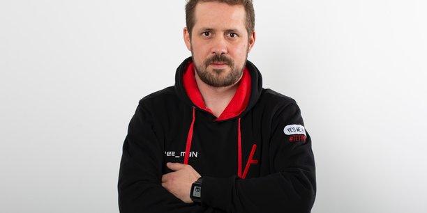 Transfuge de Qwant, Guillaume Vassault-Houlière a créé Yes We Hack en 2013. Présente dans 25 pays, la société rouennaise est devenue leader européen du bug bounty (la chasse aux bugs par des hackers éthiques) qu'elle a contribué à faire connaître sur le vieux continent.