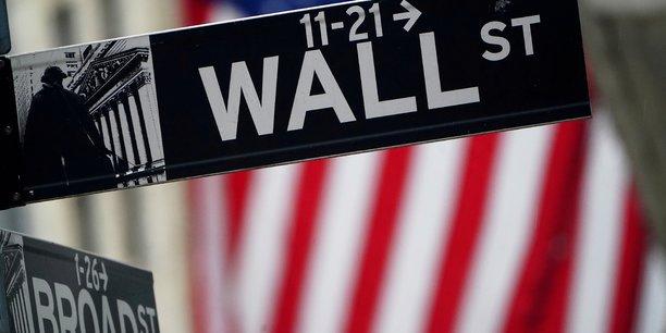 La perspective d'une relance rapide de l'économie américaine profite aux marchés actions, le président Joe Biden ayant promis vendredi d'agir vite. Dimanche, la secrétaire au Trésor, Janet Yellen, n'hésitait pas à affirmer qu'elle espérait un retour au plein emploi en 2022 si le plan de sauvetage de 1.900 milliards de dollars était approuvé.