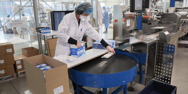 Pour répondre à la demande de masques face à la Covid-19, Paul Boyé Technologies a recruté une centaine de personnes en douze mois.