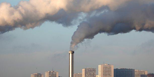 Nous savons expliquer comment atteindre -40% des émissions en 2030, ont déclaré mardi le ministère de la Transition écologique et Matignon à la presse, en promettant la publication imminente d'une étude corroborant cette affirmation.