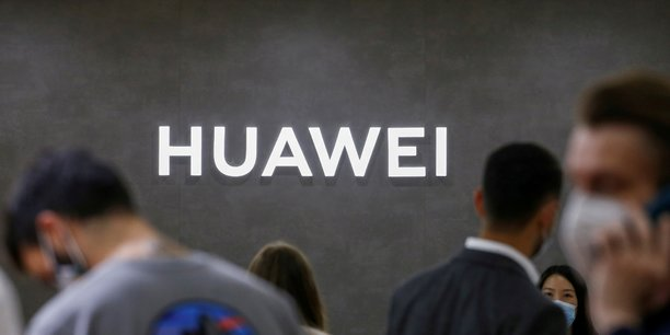 SFR et Bouygues Telecom utilisent aujourd'hui des équipements Huawei sur la moitié de leurs réseaux mobiles.