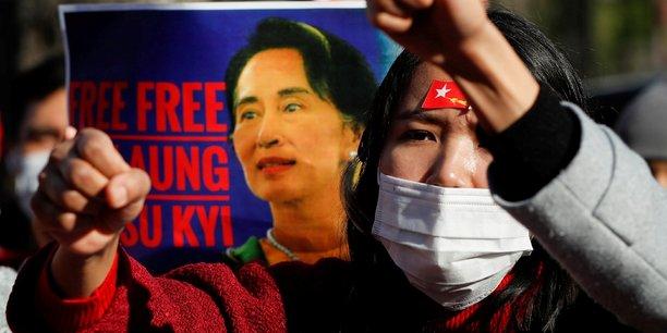 Birmanie: les manifestations contre le putsch s'intensifient malgre les arrestations[reuters.com]