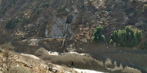 Inde: des dizaines de morts redoutes apres la rupture d'un glacier de l'himalaya[reuters.com]