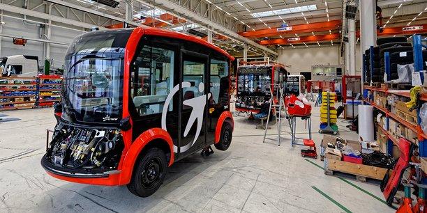 Lohr poursuit à Duppigheim (Bas-Rhin) la mise au point de sa navette autonome i-Cristal. Une version simplifiée, dénuée de ses fonctions de conduite sans chauffeur, est commercialisée dès cette année.