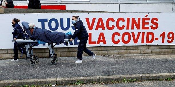 Les retards dans la vaccination risquent de miner la confiance et le moral des Européens.